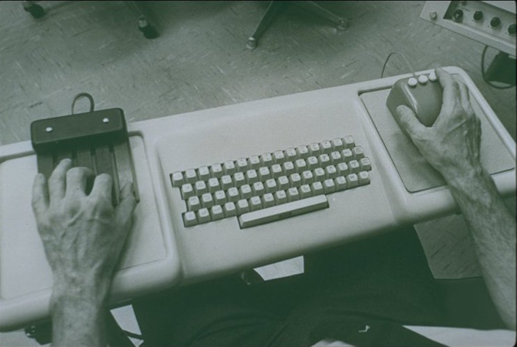 screenshot of 1968 3-button mouse and 5 key keyset